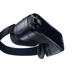 Samsung Gear Virtual Reality Headset vs Oculus Rift